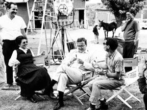 Arthur Penn no set de filmagem em 1961