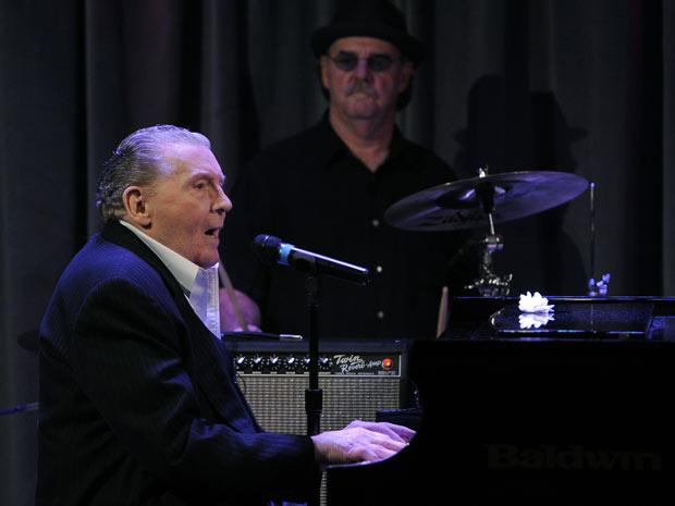 Jerry Lee Lewis comemora 75 anos em show nos EUA