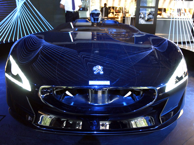 mundo dos carros  peugeot bate record de velocidade
