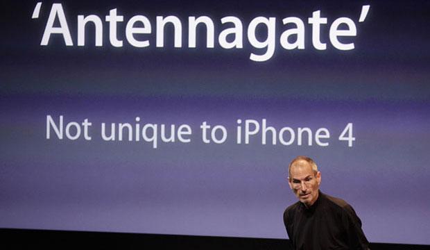 Antennagate, apresentado por Steve Jobs
