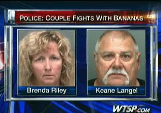 Brenda Riley, de 49 anos, e seu namorado Keane Langel, de 59, foram presos.