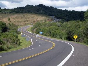 Trecho da BR-116, rodovia federal concessionada, no Rio Grande do Sul (Foto: Pesquisa CNT de Rodovias)