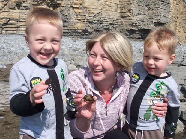 Kate Greene com seus filhos Reef e