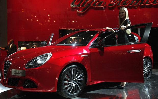 Alfa Romeo Giulietta é apresentado no Salão de Paris