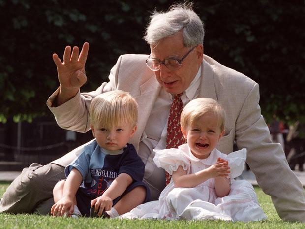 A técnica desenvolvida por Edwards permitiu o nascimento de 4 milhões de pessoas desde 1978.