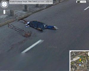 Foto de corpo no Rio de Janeiro, retirada do Street View.