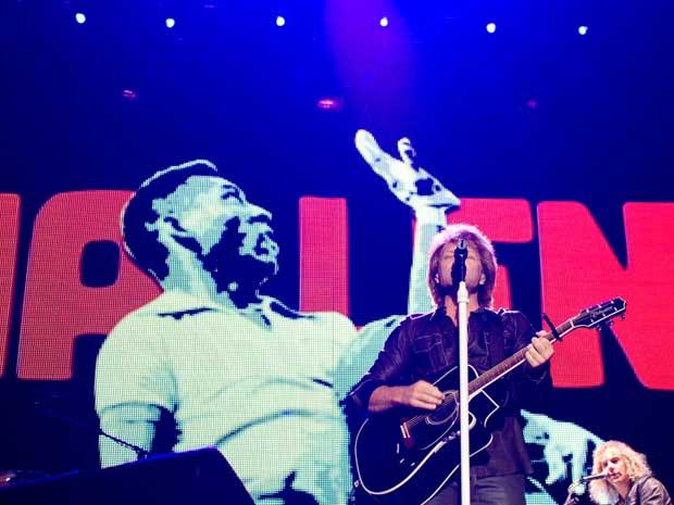 Bon Jovi usou imagens de Pelé durante o show no Morumbi.