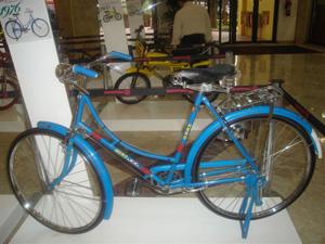 Bicicleta que está exposta no Shopping D