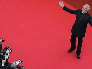 Paulo Coelho no tapete vermelho do Festival de Cannes, em 2008