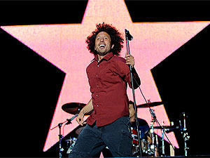 Rage Against The Machine se apresenta no palco Ar do festival SWU