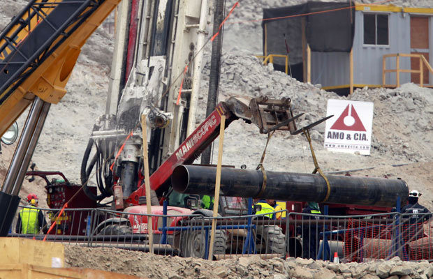 Revestimento de túnel em mina no Chile
