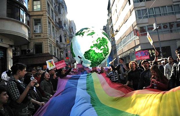 Em Instambul, na Turquia, ativistas protestaram contra o aquecimento global