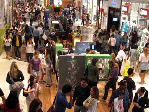 Movimento foi grande em shopping da Barra da Tijuca, no Rio