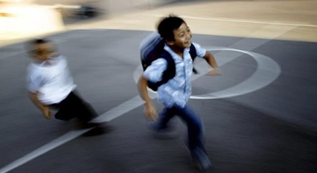 Atividades sobrecarregam as crianças e muitas vezes elas odeiam as atividades, só não revelam isso verbalmente, explica psicóloga