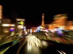 Estudo analisou relação entre exposição a luzes noturnas e alta da obesidade e de distúrbios metabólicos. Foto mostra iluminação noturna de Las Vegas, Nevada (EUA)