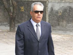 Delegado Edson Moreira chega a audiência