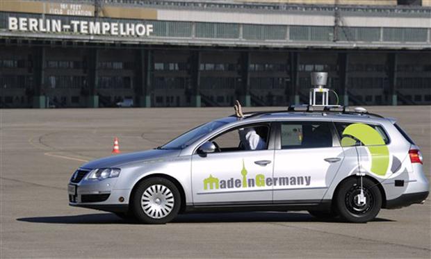 """Modelo usa usa câmeras, scanners a laser e navegação por satélite para """" ver """" outros veículos e pedestres"""