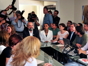 Marina Silva durante reunião com representantes do Partido Verde (PV), em Brasília, nesta quarta-feira (13).