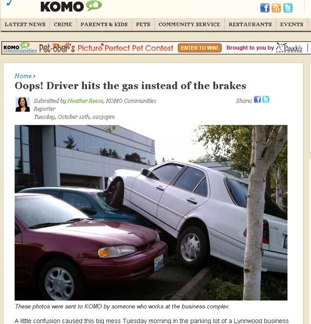 Motorista errou pedal e estacionou carro em cima de outros veículos.