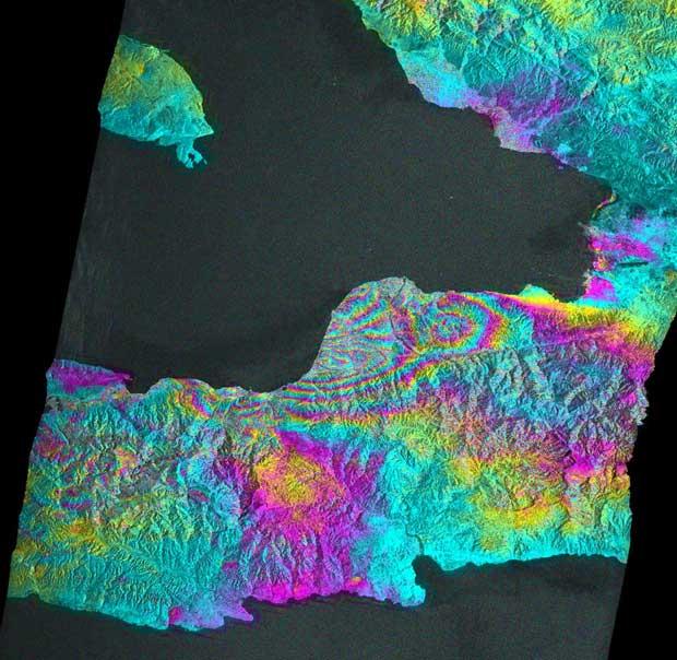 Imagem de radar obtido por satélite japonês mostra deformações de terreno em Léogâne, oeste da capital haitiana Porto Príncipe