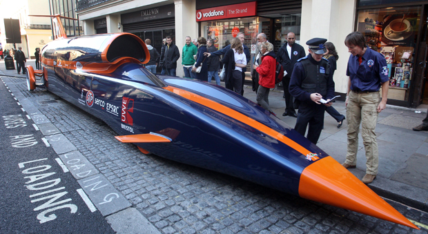 Bloodhound SuperSonic Car (SSC) é exposto em Londres
