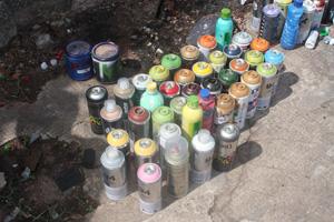 Material usado pelos pichadores que foi apreendido pela Guarda Municipal. (Foto: Guarda Municipal de Belo Horizonte)