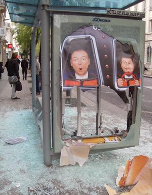 Internautas registram protestos na França Fernanda-buril-almeida