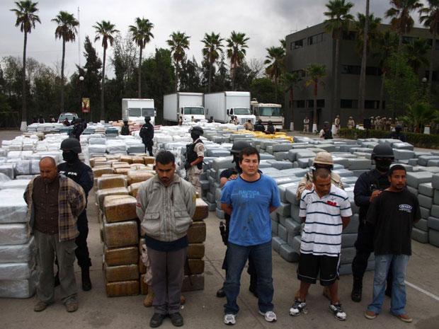 10 mil pacotes de maconha foram apreendidos na fronteira do México com os EUA.