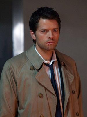 Misha Collins, como o anjo Castiel, em cena da sexta temporada de Supernatural
