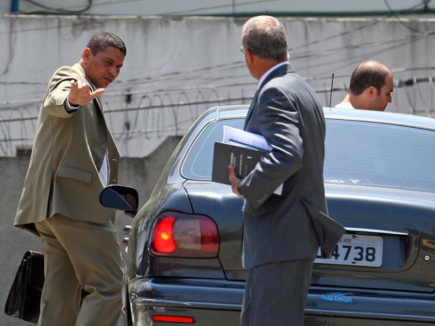 Mizael chega a Fórum de Guarulhos para audiência