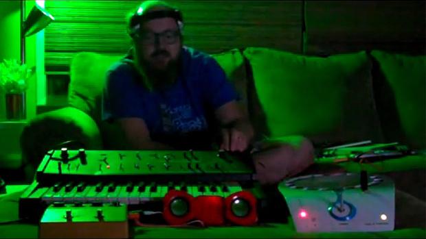 Interface mental para sintetizador feita a partir de jogo nerd.
