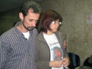 Cristiane Marcenal deixou a audiência chorando e usando uma camiseta em homenagem a filha