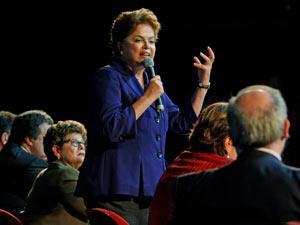 Dilma Rousseff durante evento de campanha em Brasília