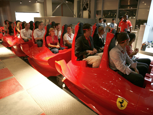 Parque da Ferrari em Abu Dhabi, nos Emirados Árabes.