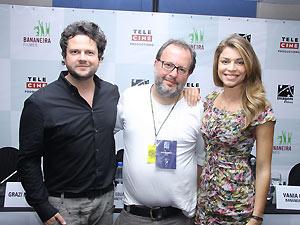 Selton Mello, o diretor José Eduardo Belmonte e Grazi Massafera após a coletiva de 'Billi pig'