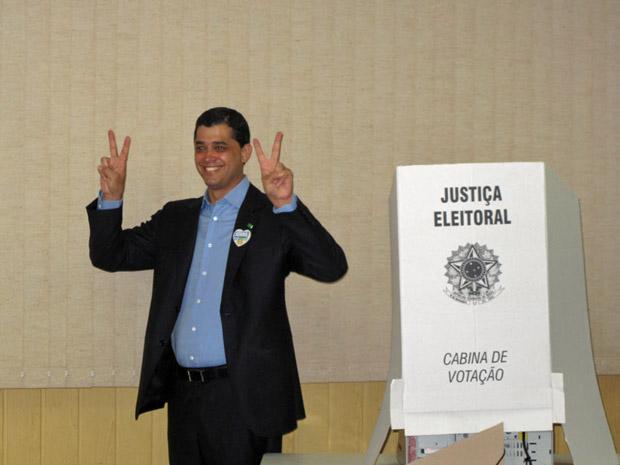 Índio da Costa vota no RIo