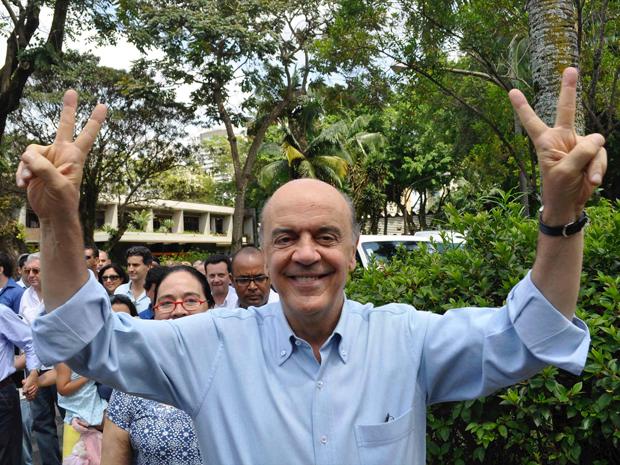 Serra votou no final da manhã no Colégio Santa Cruz, em São Paulo.