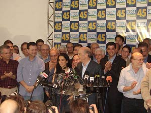 José Serra durante pronunciamento