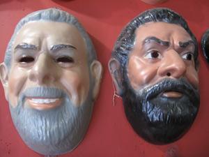 Máscara de Lula também ganhou duas versões