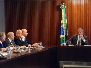 O presidente Luiz Inácio Lula da Silva coordena reunião ministerial no Palácio do Planalto