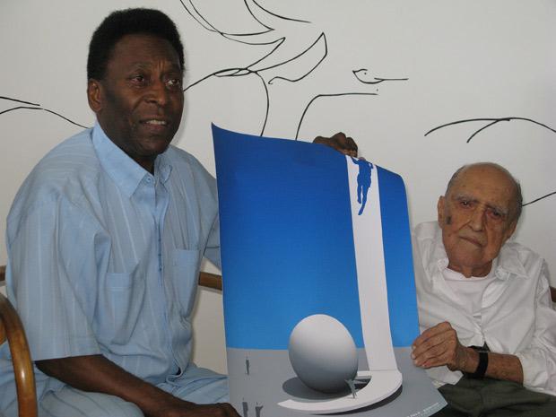 Parceria de gênios: Tabelinha entre Pelé e Niemeyer marca símbolo do museu em homenagem ao Rei do futebol