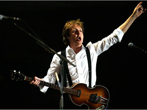 O ex-beatle Paul McCartney durante show no festival norte-americano Coachella, em 2009