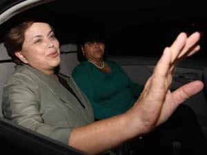 A presidente eleita, Dilma Rousseff, deixa sua casa em Brasília para seguir para Seul, na Coreia do Sul, onde participa do G20
