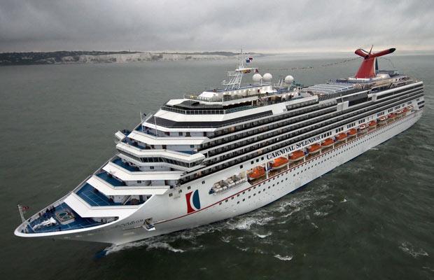 O barco em foto de 10 de julho de 2008, próximo ao porto britânico de Dover.