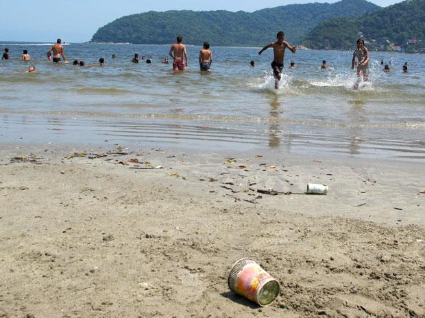 Sujeira na praia