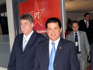 Presidente nacional do PR, senador Alfredo Nascimento (AM), após reunião com o presidente do PT, José Eduardo Dutra.