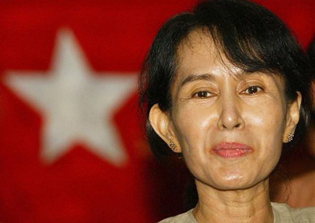 A dissidente birmanesa Aung San Suu Kyi em foto de 6 de maio de 2002.