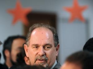 Presidente nacional do PT, José Eduardo Dutra, durante entrevista nesta quarta-feira (10). (Foto: Wilson Dias / Agência Brasil)