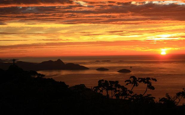 6h00: Sol aparece no horizonte