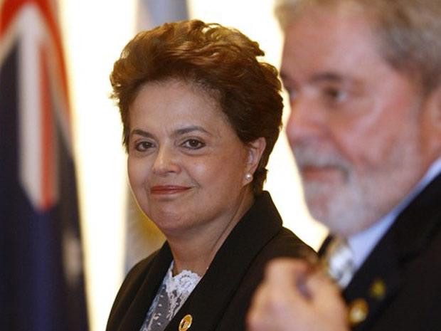 A presidente eleita, Dilma Rousseff, e o presidente Luiz Inácio Lula da Silva chegam à sessão plenária do G20, em Seul
